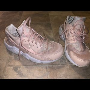 Pink Women's Nike Air Huraches